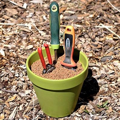 Votre propre système d'entretien d'outils de jardinage